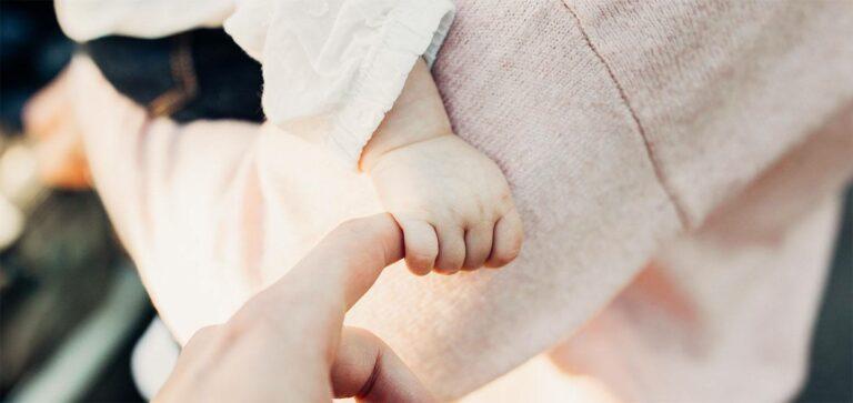 RS-virus onder baby's: zo herken je het virus bij je kind